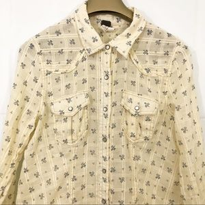 We The Free Pearl Snap Buttons Shirt Lace Up Back
